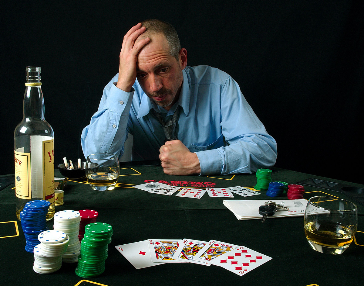 ways to stay off tile at the poker table